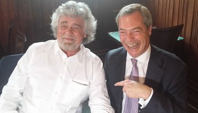 Beppe Grillo con Nigel Farage